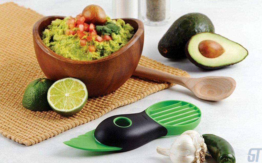 OXO 3-в-1 отличный слайсер для авокадо ($ 10)